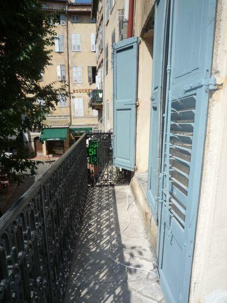 Appartement à louer 1 30m2 à Grasse vignette-3
