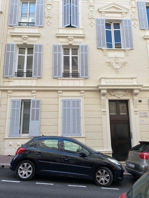 Appartement à louer 3 61.02m2 à Cannes vignette-1
