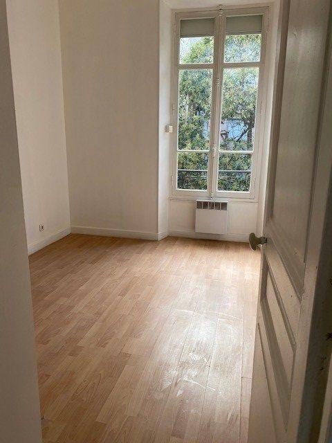 Appartement à louer 3 61.02m2 à Cannes vignette-7