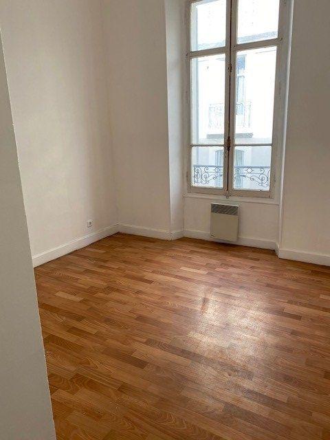 Appartement à louer 3 61.02m2 à Cannes vignette-9