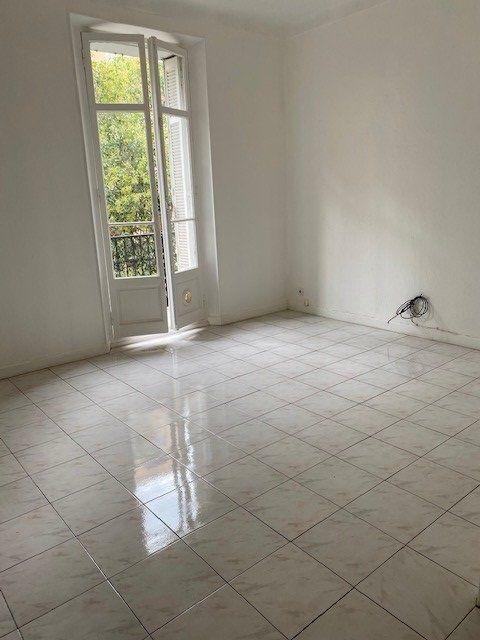 Appartement à louer 3 61.02m2 à Cannes vignette-13