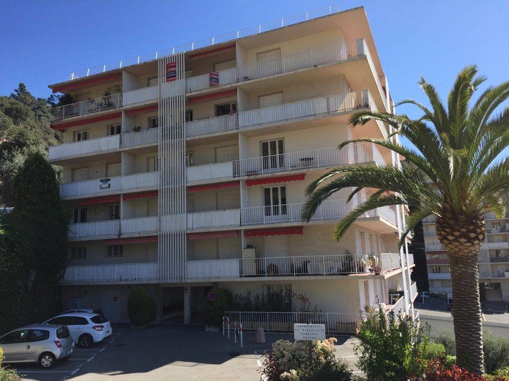 Appartement à louer 2 50.03m2 à Grasse vignette-1