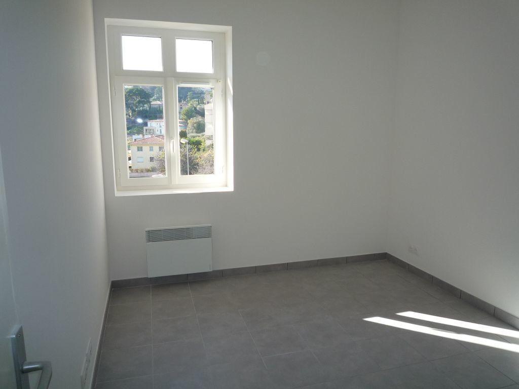 Appartement à louer 2 34.09m2 à Mougins vignette-4