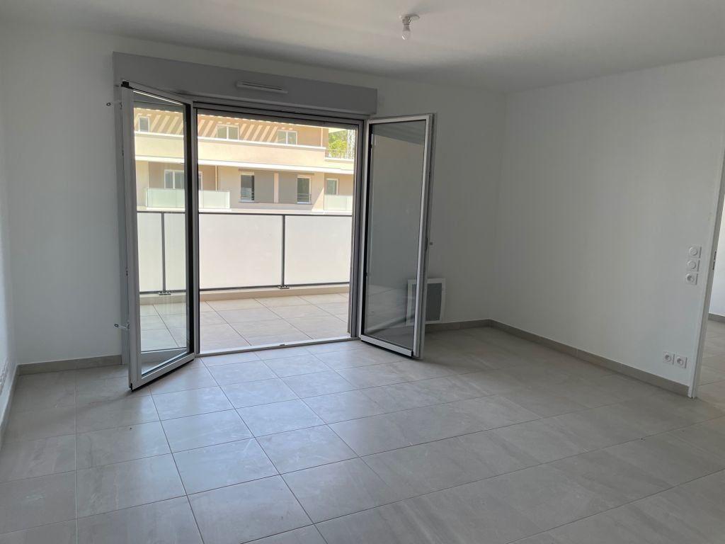Appartement à louer 2 43.47m2 à Mougins vignette-2