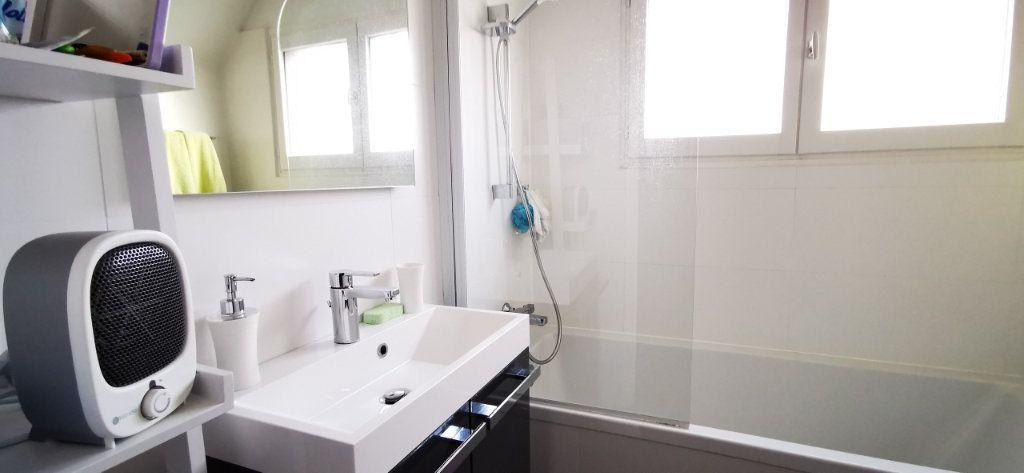 Appartement à vendre 5 84.89m2 à Vannes vignette-7