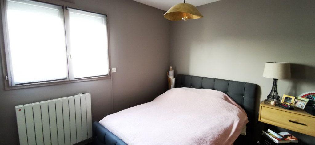 Appartement à vendre 5 84.89m2 à Vannes vignette-8