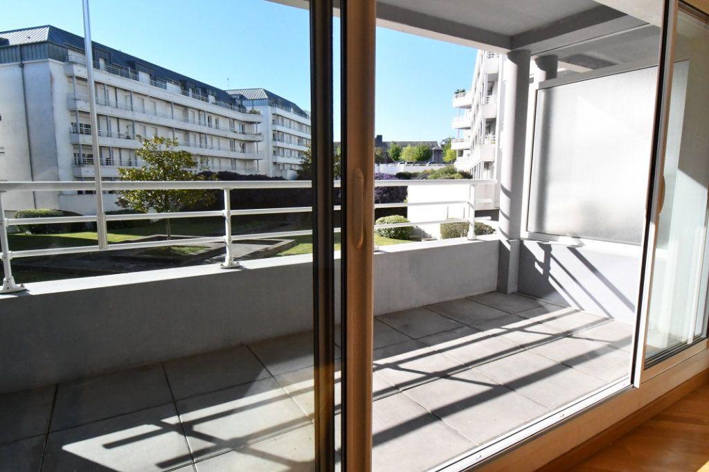 Appartement à vendre 4 74.78m2 à Vannes vignette-2