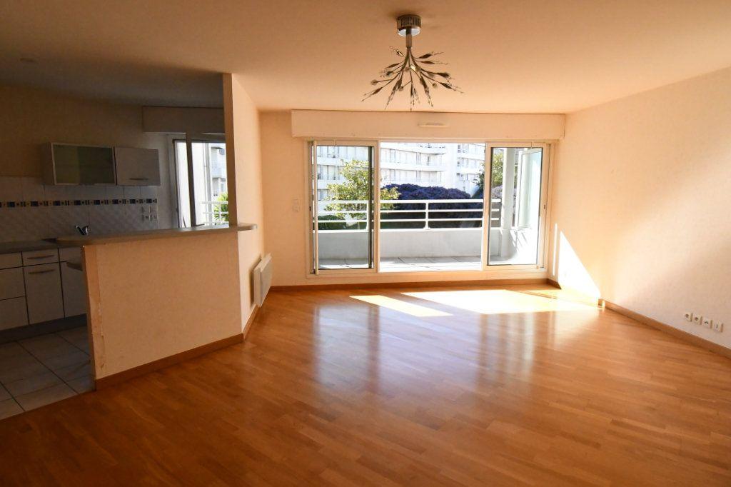 Appartement à vendre 4 74.78m2 à Vannes vignette-3