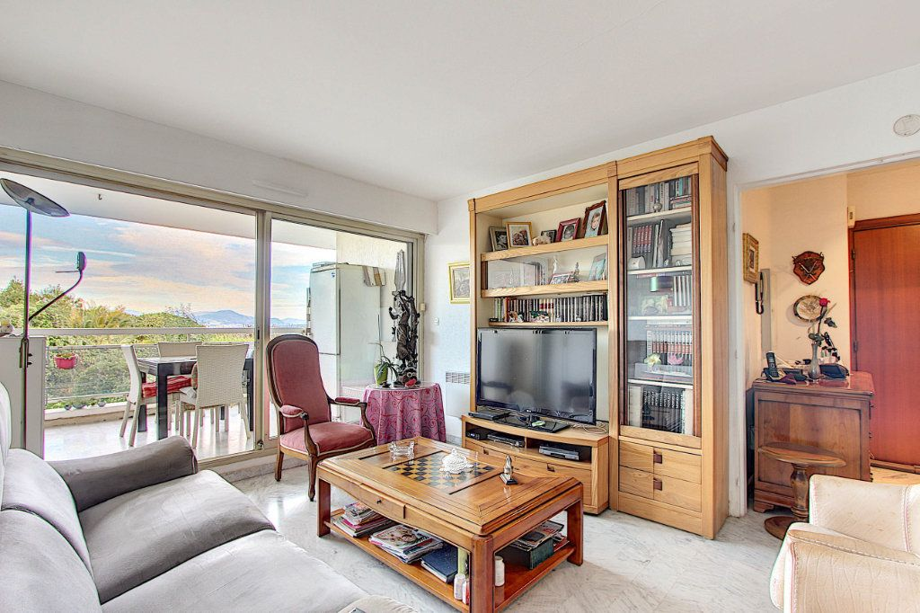 Appartement à vendre 4 77.05m2 à Antibes vignette-1