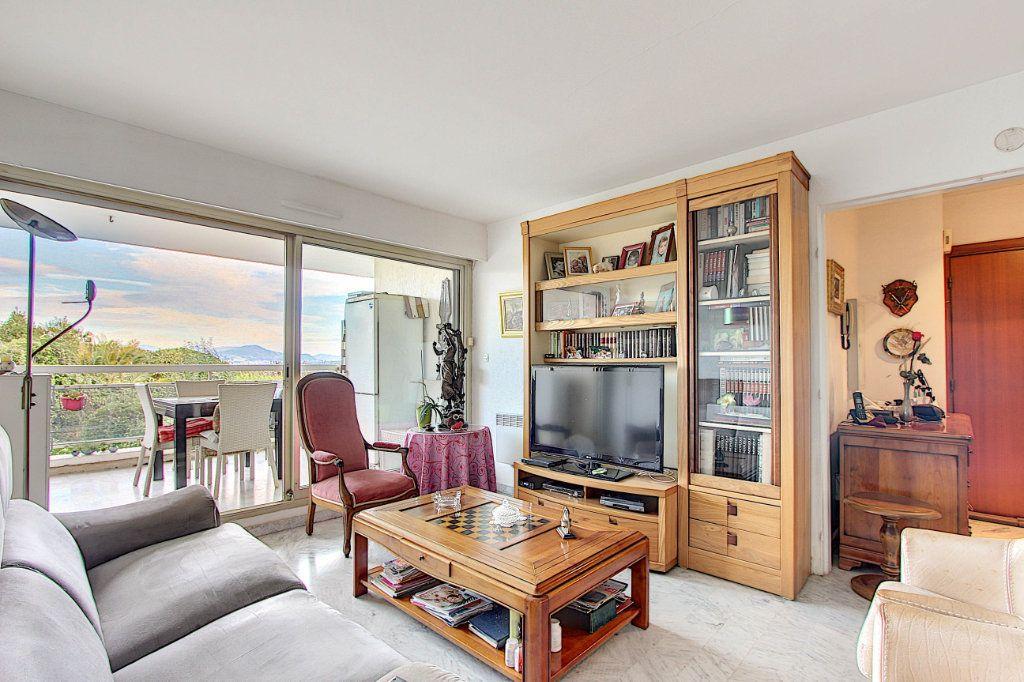 Appartement à vendre 4 77.05m2 à Antibes vignette-2