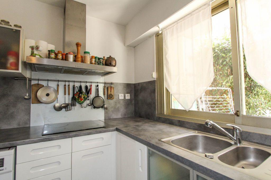 Appartement à vendre 4 77.05m2 à Antibes vignette-5