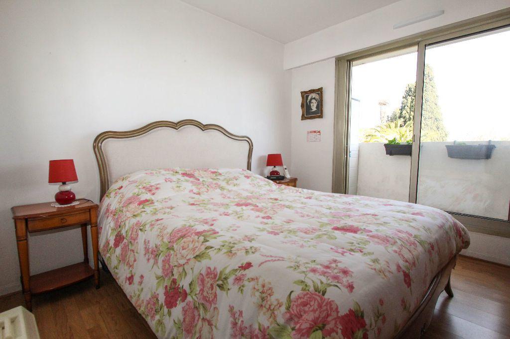 Appartement à vendre 4 77.05m2 à Antibes vignette-6