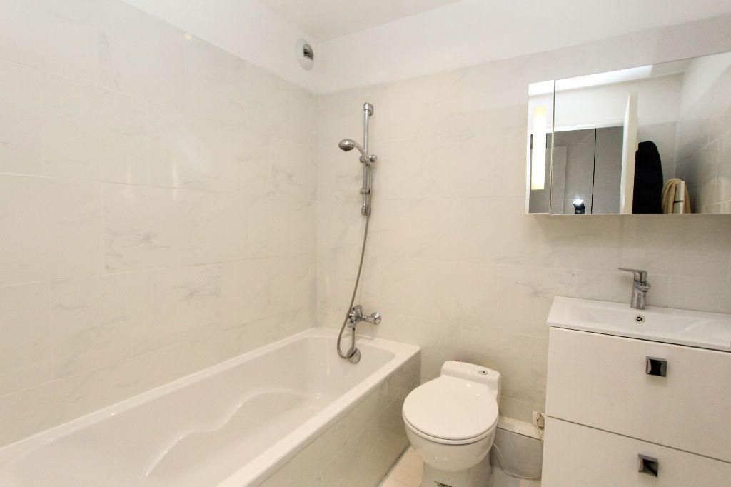 Appartement à vendre 4 77.05m2 à Antibes vignette-7