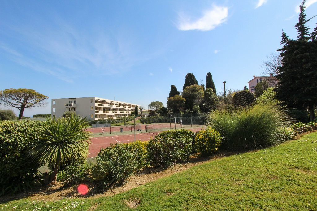 Appartement à vendre 4 77.05m2 à Antibes vignette-12