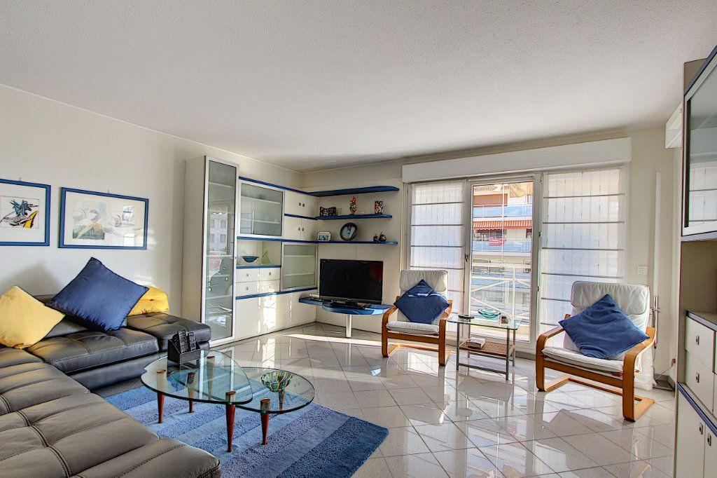 Appartement à vendre 4 85m2 à Juan-les-Pins - Antibes vignette-1