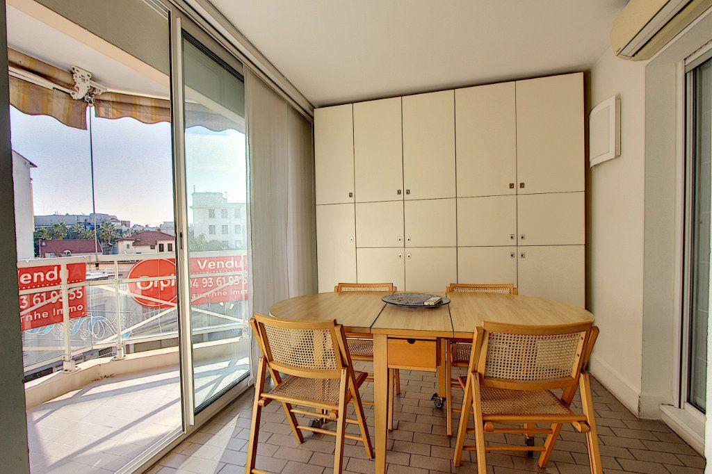 Appartement à vendre 4 85m2 à Juan-les-Pins - Antibes vignette-5