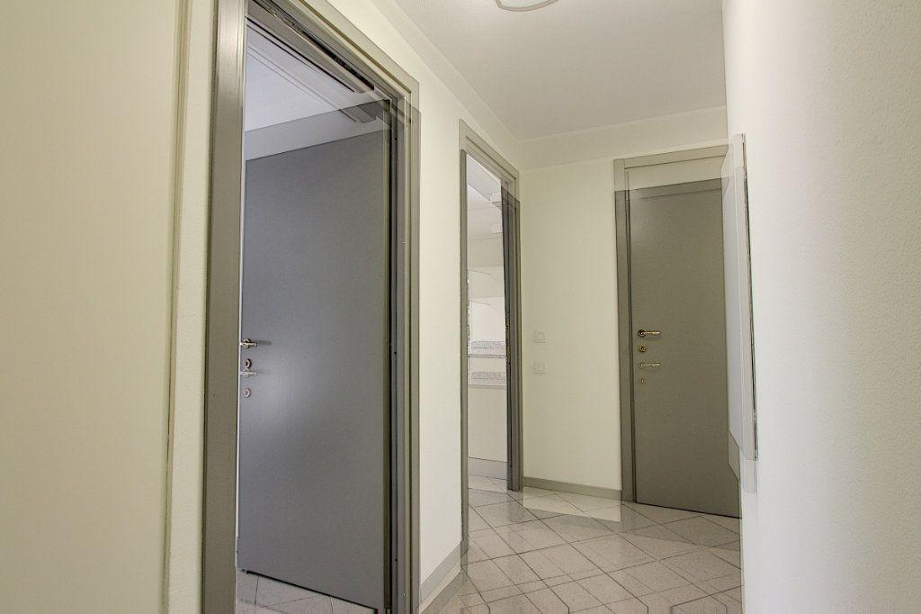 Appartement à vendre 4 85m2 à Juan-les-Pins - Antibes vignette-6