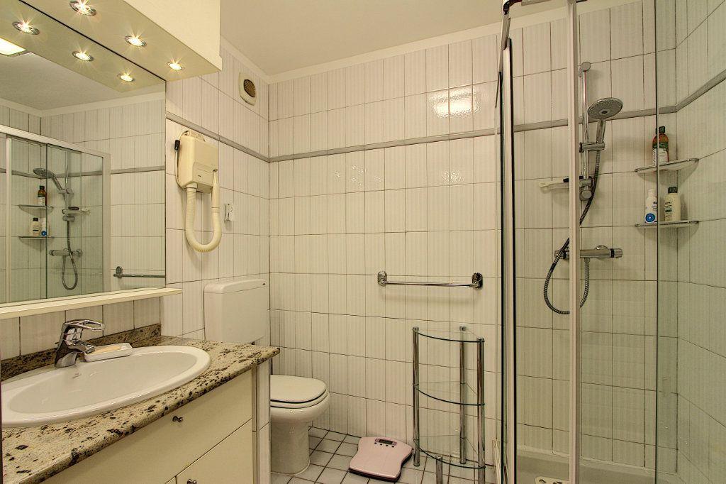Appartement à vendre 4 85m2 à Juan-les-Pins - Antibes vignette-8