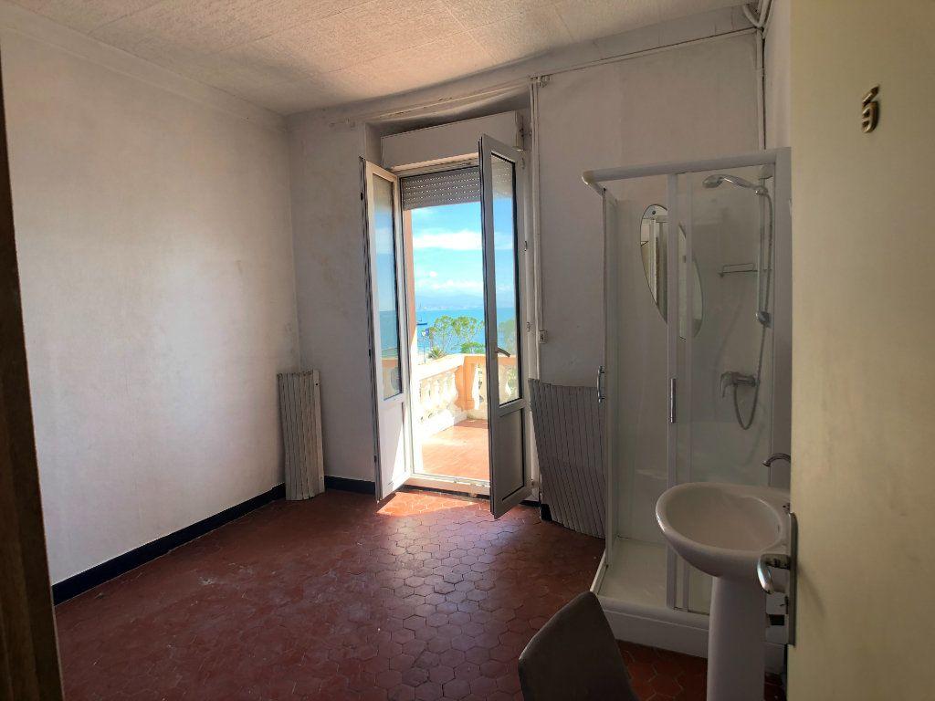 Maison à vendre 15 351m2 à Antibes vignette-4