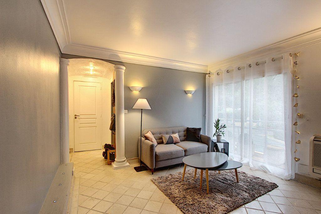 Appartement à vendre 2 35.8m2 à Antibes vignette-1