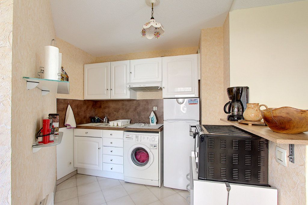 Appartement à vendre 2 49m2 à Juan-les-Pins - Antibes vignette-3