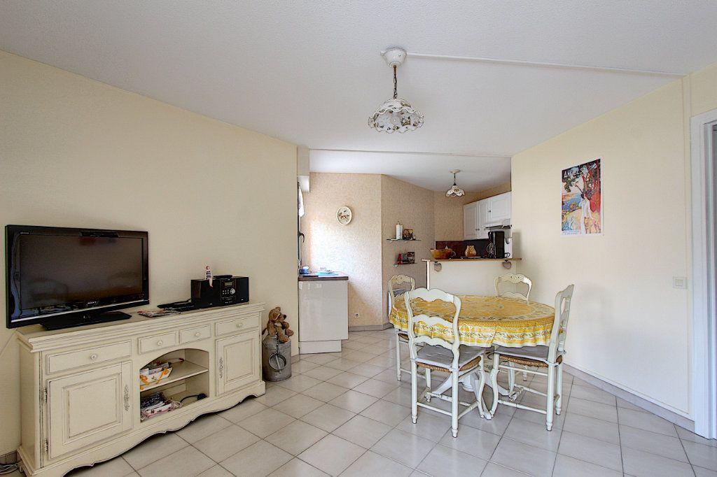 Appartement à vendre 2 49m2 à Juan-les-Pins - Antibes vignette-5
