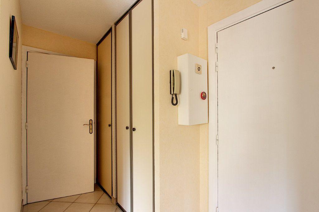 Appartement à vendre 2 49m2 à Juan-les-Pins - Antibes vignette-6