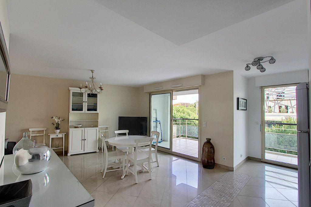 Appartement à vendre 3 66m2 à Juan-les-Pins - Antibes vignette-1