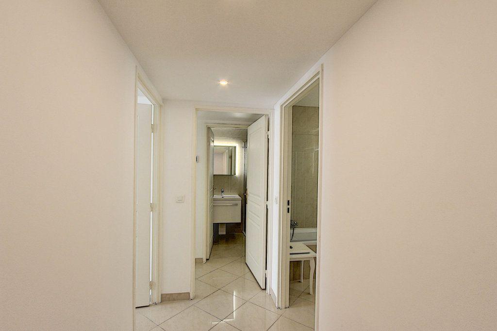 Appartement à vendre 3 66m2 à Juan-les-Pins - Antibes vignette-7