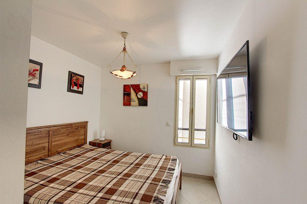 Appartement à vendre 3 66m2 à Juan-les-Pins - Antibes vignette-8
