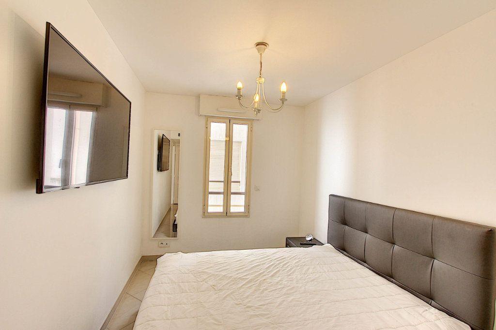 Appartement à vendre 3 66m2 à Juan-les-Pins - Antibes vignette-10