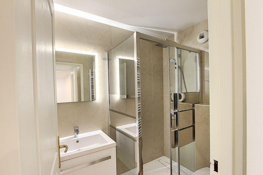 Appartement à vendre 3 66m2 à Juan-les-Pins - Antibes vignette-11