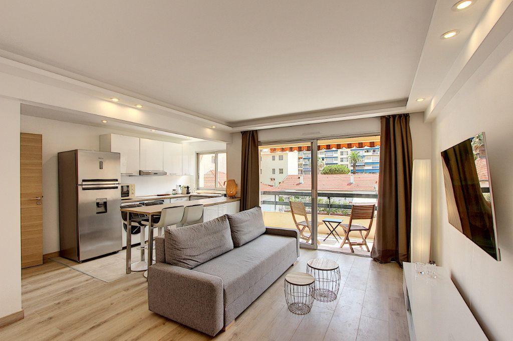 Appartement à vendre 2 42.44m2 à Juan-les-Pins - Antibes vignette-1