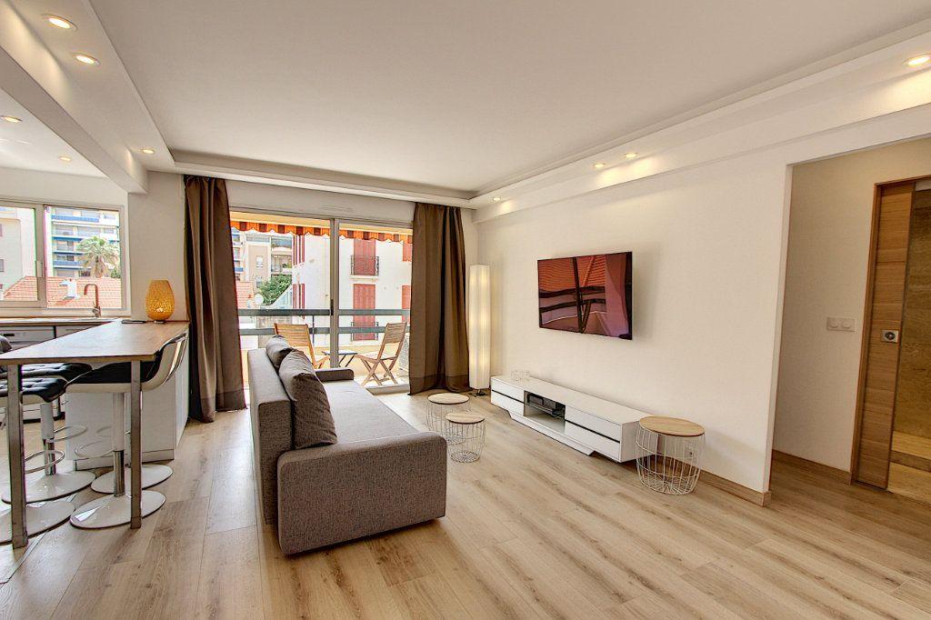 Appartement à vendre 2 42.44m2 à Juan-les-Pins - Antibes vignette-2