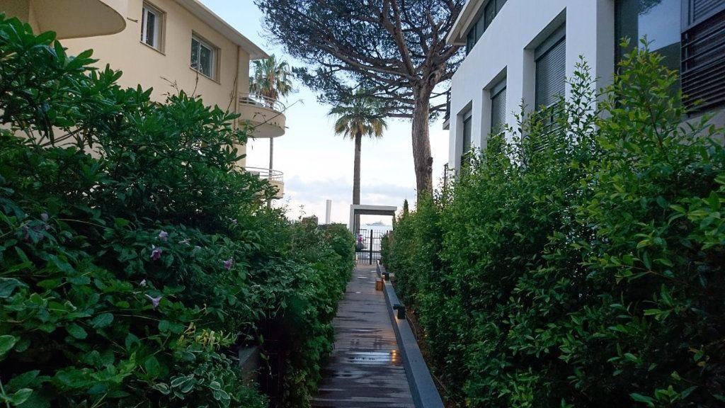 Appartement à vendre 1 30m2 à Juan-les-Pins - Antibes vignette-4