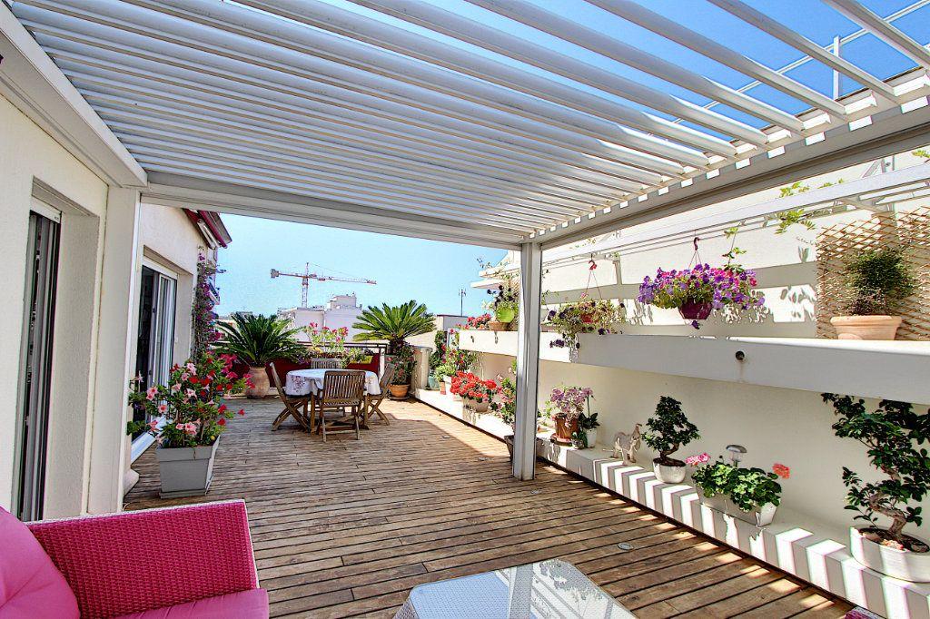 Appartement à vendre 3 83m2 à Juan-les-Pins - Antibes vignette-5
