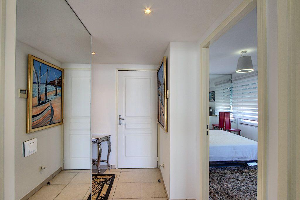 Appartement à vendre 3 83m2 à Juan-les-Pins - Antibes vignette-8