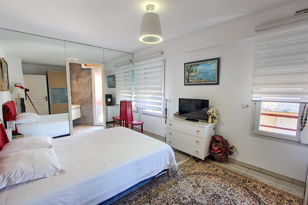 Appartement à vendre 3 83m2 à Juan-les-Pins - Antibes vignette-10