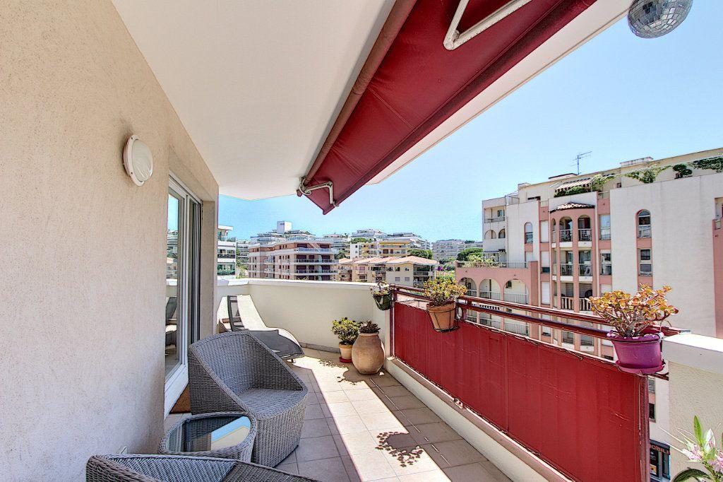 Appartement à vendre 3 83m2 à Juan-les-Pins - Antibes vignette-12