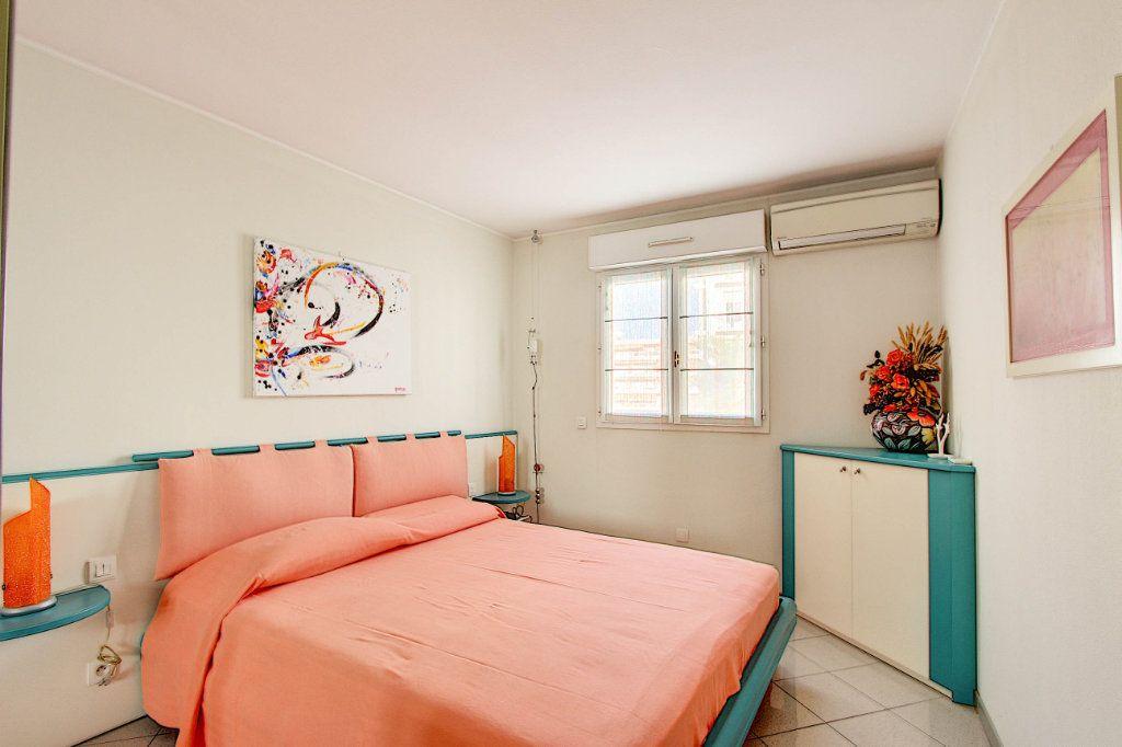 Appartement à vendre 2 53m2 à Juan-les-Pins - Antibes vignette-6