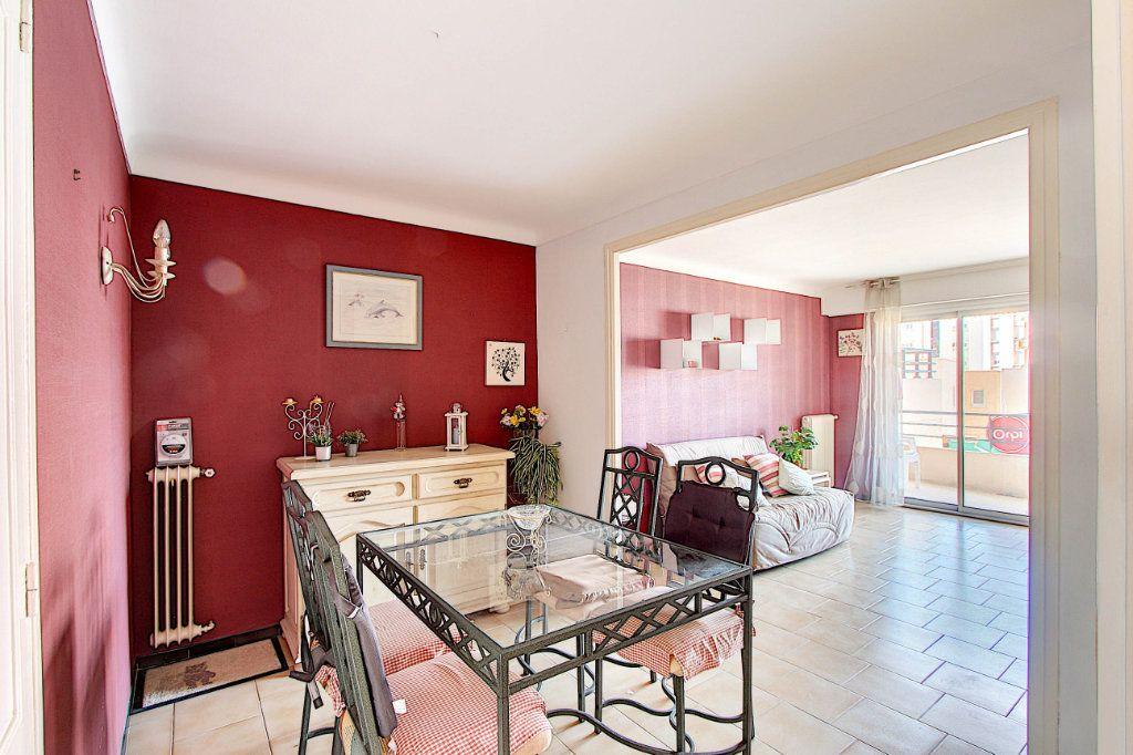 Appartement à vendre 2 54.21m2 à Antibes vignette-1