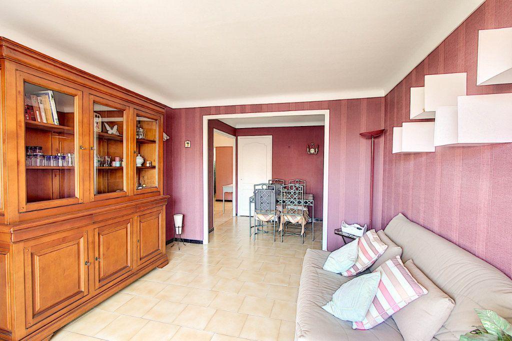 Appartement à vendre 2 54.21m2 à Antibes vignette-2
