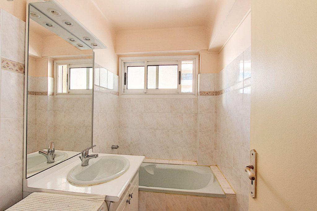 Appartement à vendre 2 54.21m2 à Antibes vignette-5