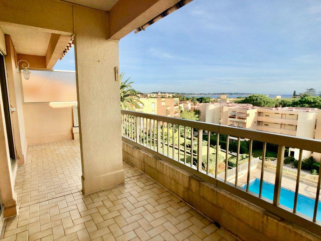 Appartement à vendre 3 57m2 à Golfe Juan - Vallauris vignette-2