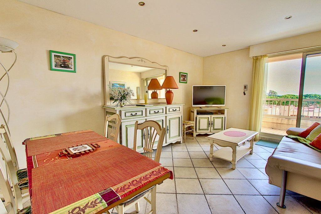 Appartement à vendre 3 57m2 à Golfe Juan - Vallauris vignette-3