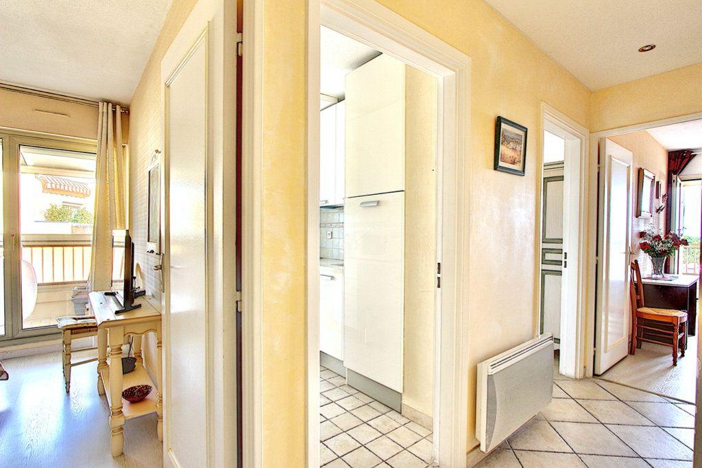 Appartement à vendre 3 57m2 à Golfe Juan - Vallauris vignette-6