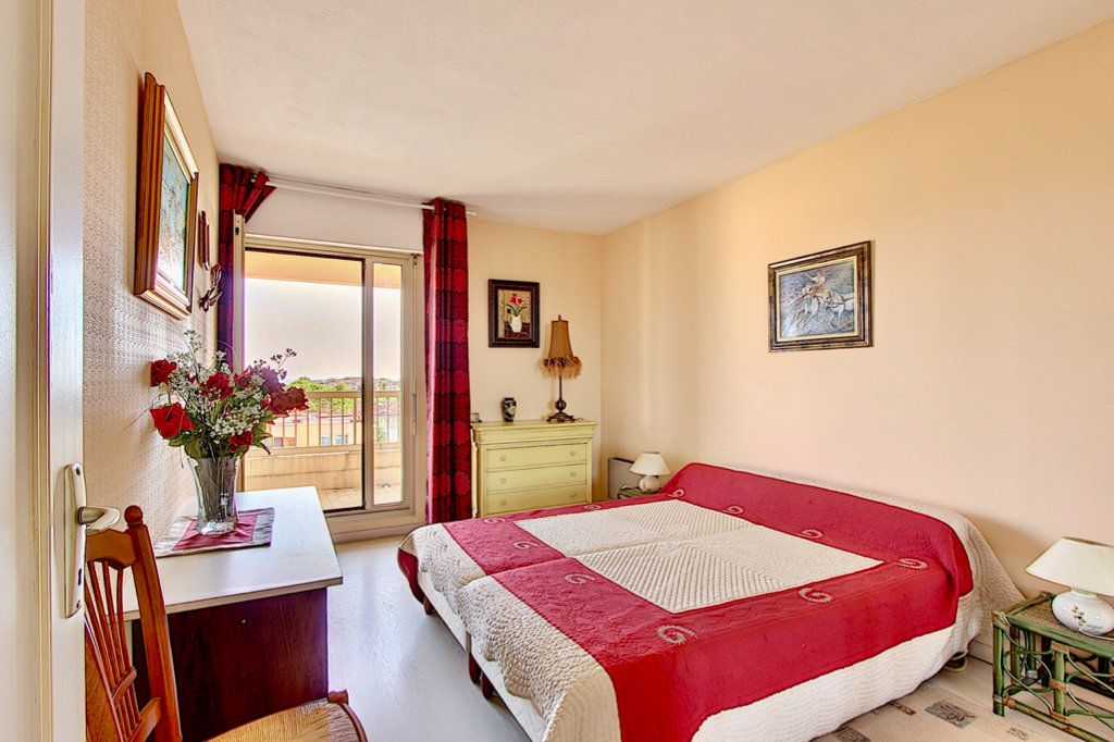 Appartement à vendre 3 57m2 à Golfe Juan - Vallauris vignette-8