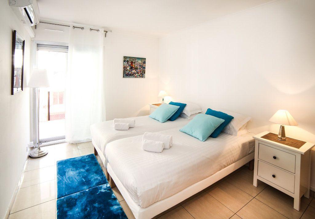 Appartement à vendre 3 83m2 à Juan-les-Pins - Antibes vignette-6