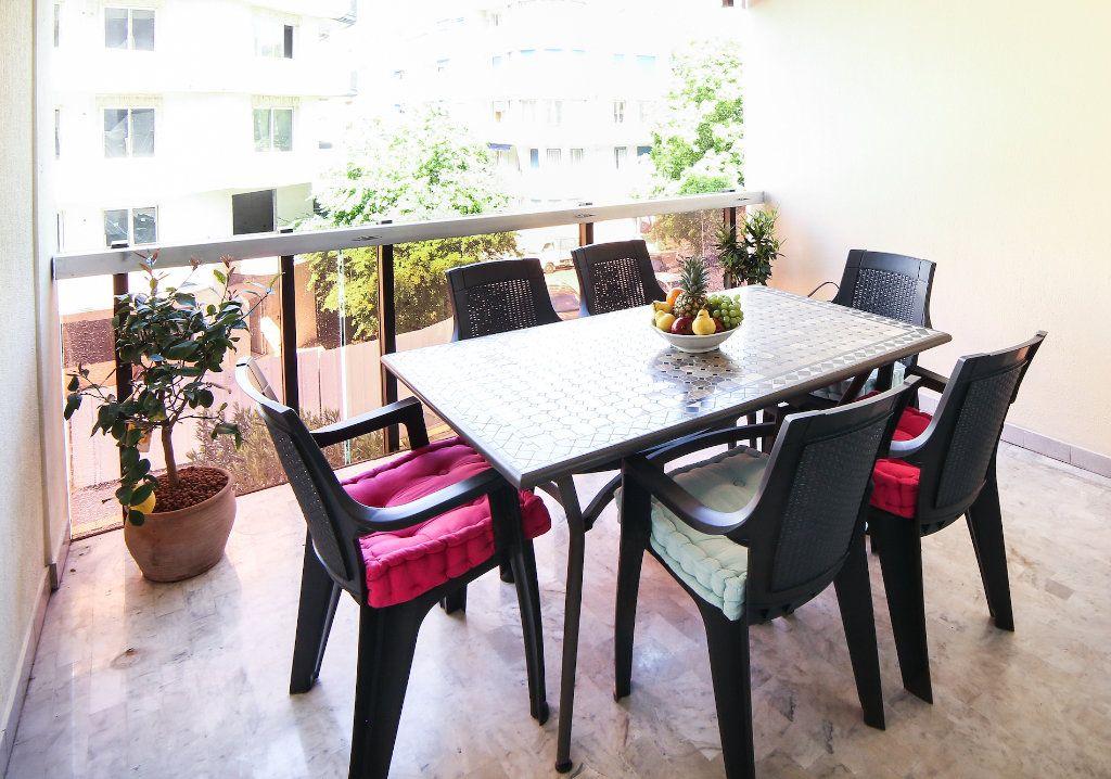 Appartement à vendre 3 83m2 à Juan-les-Pins - Antibes vignette-7