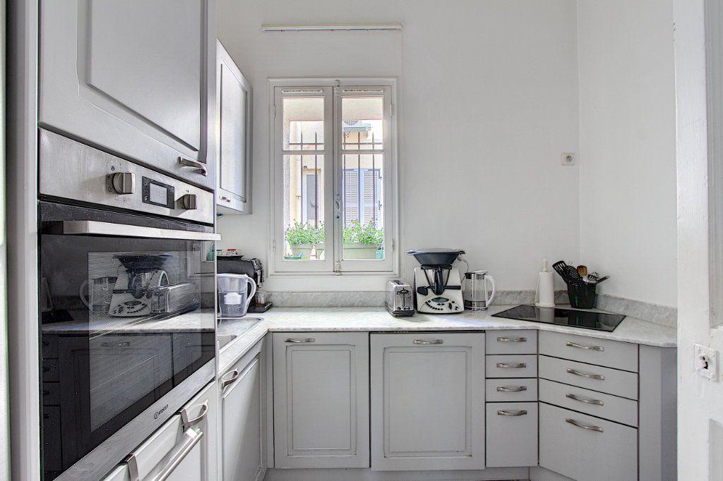 Appartement à vendre 3 103.37m2 à Cannes vignette-5